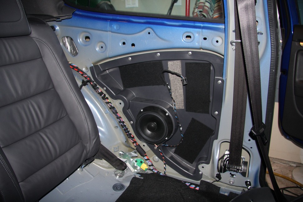 Vwvortex Com Soumatrix Speakers In Mk5 R32 With Dynaudio Amp